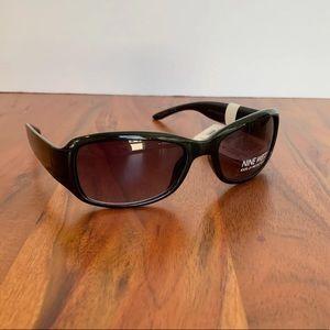 NWT Nine West Black Sunglasses